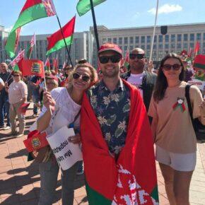 Zwolennicy Łukaszenki manifestowali w Mińsku