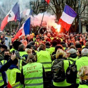 """Znów gorąco na protestach """"żółtych kamizelek"""" (+WIDEO)"""