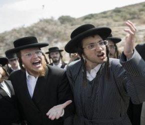 Ortodoksyjni Żydzi zablokowali izraelską autostradę (+WIDEO)
