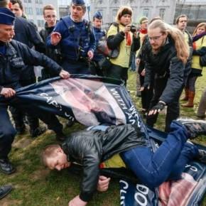 Belgijska policja zaatakowała pikietę polskich obrońców życia