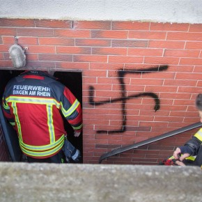 Niemcy: Imigrant podpalił budynek i namalował swastyki