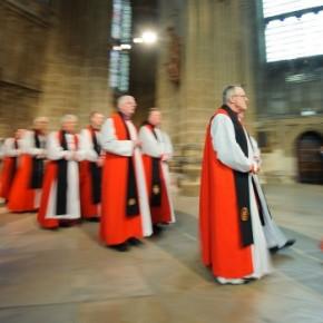 Frekwencja w kościele anglikańskim spadła poniżej miliona
