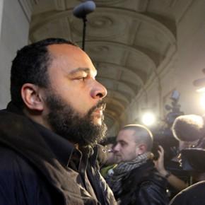 """Dieudonne skazany za """"wspieranie terroru"""""""