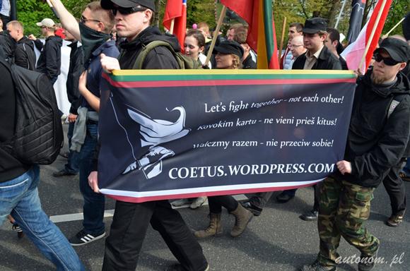 2013, Warszawa: litewscy nacjonaliści na demonstracji w Święto Pracy