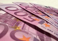 Biurokraci w Unii Europejskiej walczą o swoje pensje
