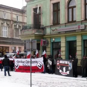 """Chełmża: Pikieta """"Kochaj Polskę, niszcz czerwonych"""""""