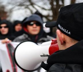 """Chełmża: Pikieta """"Kochaj Polskę, niszcz czerwonych"""" - 10.03"""