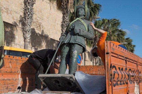 Usunięto ostatni pomnik generała Franco