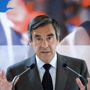 Kłopoty kandydata centroprawicy na prezydenta Francji