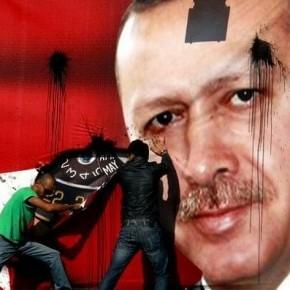 Turecka opozycja oskarża prezydenta o wspieranie terrorystów