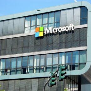 Microsoft zastępuje dziennikarzy sztuczną inteligencją
