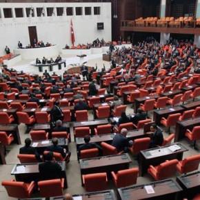 Turecki premier zrezygnował z misji stworzenia nowego rządu. Brak porozumienia z nacjonalistami