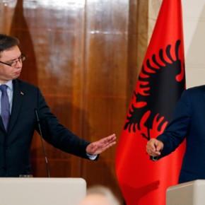 Pierwsza w historii wizyta serbskiego przywódcy w Albanii