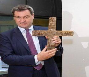 Niemiecki biskup przeciwko... krzyżom w miejscach publicznych