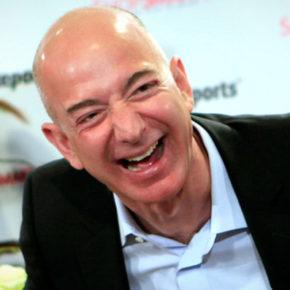 Szef Amazona zbiera na pomoc dla swoich pracowników
