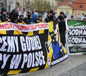 Białystok: Policja rozwiązała marsz w obronie praw pracowniczych (+foto)