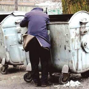 Mniej Polaków żyje w ubóstwie