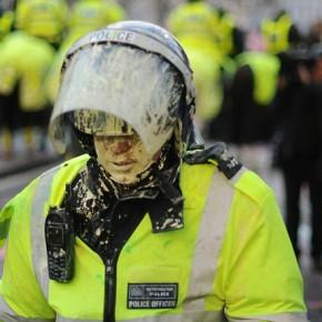 Wielka Brytania: Policja nadużywa zakazów dla demonstrantów