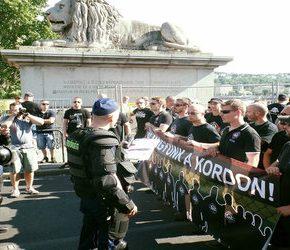 Węgierska policja usunęła blokadę marszu homoseksualistów