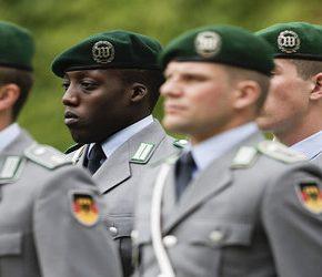 Bundeswehra wzywa prawicowców do odejścia