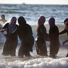 Muzułmanie domagają się segregacji płciowej na basenie