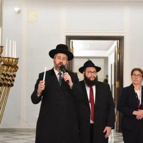Chanukowe świece znowu w Sejmie