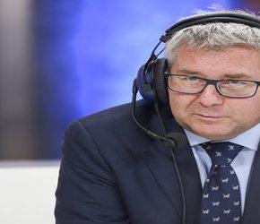 Poseł PiS zachwala kandydaturę Macrona na prezydenta Francji