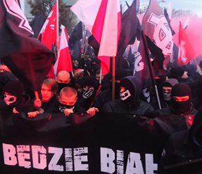 Biała duma, czarny blok - niezależni nacjonaliści na Marszu Niepodległości (+foto, wideo)