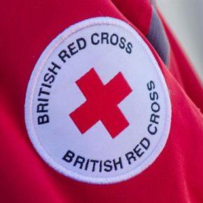 Brytyjski Czerwony Krzyż jest zbyt biały?