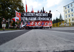 czestochowa-mlodziez-przeciwko-totalitarnej-demokracji-m
