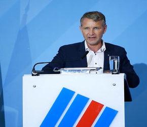 Alternatywa dla Niemiec rozwiązuje nacjonalistyczne skrzydło