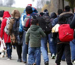 Niemcy chcą uchodźców i nie wierzą w integrację