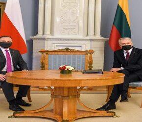 Prezydent Litwy poucza Dudę