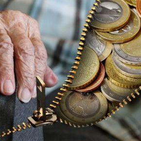 333 tysięcy Polaków z emeryturą mniejszą niż minimalna