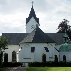 Szwedzka chadecja chce debaty o atakowaniu kościołów
