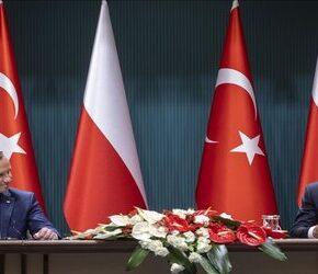Obronność i bezpieczeństwo zdominowały rozmowy Dudy z Erdoğanem
