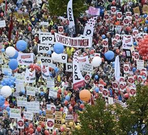 Finowie protestowali przeciwko cięciom świadczeń pracowniczych