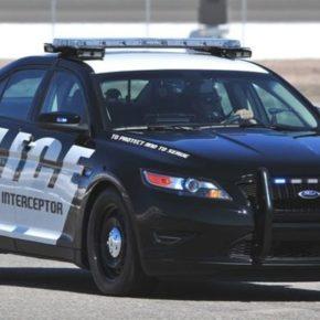 """Ford nie będzie produkować aut dla policji, bo """"rasizm""""?"""