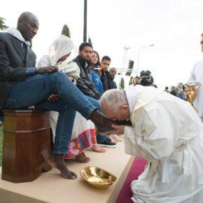 """Papież potępia nacjonalizm i """"rasizm"""""""