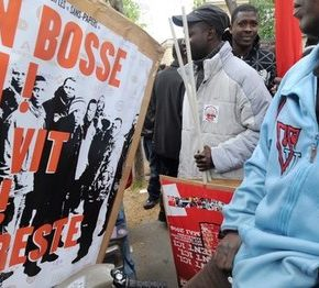 We Francji za pomocą dla nielegalnych imigrantów