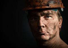 Polskie kopalnie przegrywają w Polsce rywalizację z firmami zagranicznymi