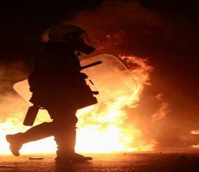 Greccy kibice wspólnie przeciwko brutalnej policji (+WIDEO)