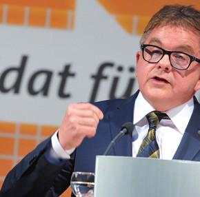Niemcy: Polityk chadecji atakowany za sprzeciw wobec adopcji dzieci przez homoseksualistów