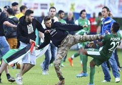 Pro-palestyńscy aktywiści zakłócili mecz Maccabi Hajfa