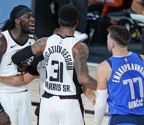 """Koszykarz zwyzywany od """"białej k***y"""""""