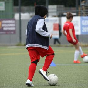 Fińska federacja piłkarska oferuje hidżaby zawodniczkom