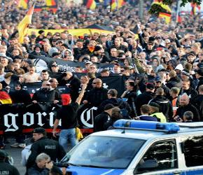 Niemcy: Nie gasną napięcia w związku z masową imigracją i islamizacją