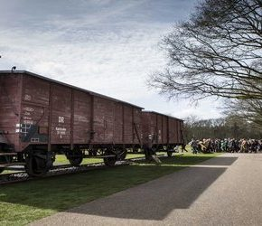 Holenderskie koleje zapłacą za Holokaust