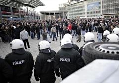 Niemcy: Kibice przeciwko islamizacji i masowej imigracji