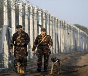 Węgry: Somalijski imigrant oskarżony o molestowanie i kradzież